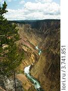 Купить «Река Йеллоустон в Большом каньоне. Национальный парк Йеллоустоун, Вайоминг», фото № 3741851, снято 15 июля 2012 г. (c) Ирина Кожемякина / Фотобанк Лори