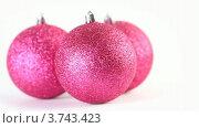 Купить «Три вращающихся елочных шара», видеоролик № 3743423, снято 17 июля 2011 г. (c) Losevsky Pavel / Фотобанк Лори