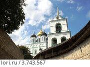 Купить «Псков. Кремль. Троицкий собор», фото № 3743567, снято 26 июля 2012 г. (c) Юлия Козинец / Фотобанк Лори