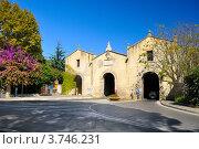 Купить «Старинные ворота в Орбетелло (Тоскана Италия)», фото № 3746231, снято 10 октября 2011 г. (c) Дмитрий Яковлев / Фотобанк Лори