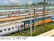 Купить «Поезда на железнодорожной станции», фото № 3747167, снято 23 июля 2012 г. (c) ИВА Афонская / Фотобанк Лори