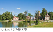 Купить «Москва, храм Воздвижения креста господня в усадьбе Алтуфьево», фото № 3749779, снято 8 августа 2012 г. (c) ИВА Афонская / Фотобанк Лори