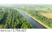 Купить «Вид на лес и реку из кабины воздушного шара, таймлапс», видеоролик № 3754427, снято 11 августа 2011 г. (c) Losevsky Pavel / Фотобанк Лори