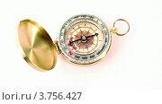 Купить «Винтажный золотой компас на белом фоне», видеоролик № 3756427, снято 26 октября 2011 г. (c) Losevsky Pavel / Фотобанк Лори