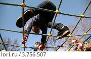 Купить «Дети на игровой площадке», видеоролик № 3756507, снято 22 декабря 2011 г. (c) Losevsky Pavel / Фотобанк Лори