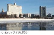 Купить «Дом Правительства Российской Федерации», видеоролик № 3756863, снято 21 сентября 2011 г. (c) Losevsky Pavel / Фотобанк Лори