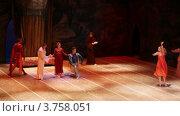 Купить «Театр Новая Опера», видеоролик № 3758051, снято 31 октября 2011 г. (c) Losevsky Pavel / Фотобанк Лори