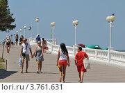 Купить «Набережная Геленджика», фото № 3761631, снято 18 августа 2012 г. (c) Игорь Архипов / Фотобанк Лори
