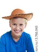Купить «Улыбающийся мальчик в ковбойской шляпе», фото № 3766043, снято 14 августа 2012 г. (c) Кузнецова Юлия (aka Syaochka) / Фотобанк Лори