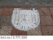 Купить «Крышка люка в Одессе», фото № 3771559, снято 27 июня 2012 г. (c) Андрей Ерофеев / Фотобанк Лори