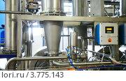 Купить «Оборудование на молочной фабрике», видеоролик № 3775143, снято 13 декабря 2011 г. (c) Losevsky Pavel / Фотобанк Лори