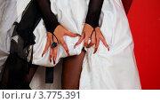 Невеста с длинными ногтями. Стоковое видео, видеограф Losevsky Pavel / Фотобанк Лори