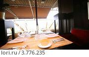 Купить «Интерьер ресторана», видеоролик № 3776235, снято 26 февраля 2012 г. (c) Losevsky Pavel / Фотобанк Лори