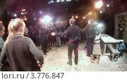 Купить «Актер Дмитрий Высоцкий дает интервью журналистам(таймлапс)», видеоролик № 3776847, снято 4 марта 2012 г. (c) Losevsky Pavel / Фотобанк Лори