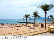 Купить «Пляж на Лазурном побережье Франции, Канны», фото № 3777167, снято 13 июня 2010 г. (c) ElenArt / Фотобанк Лори