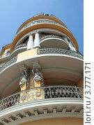 Купить «Отель, расположенный назнаменитом бульваре Круазетт, Канны», фото № 3777171, снято 13 июня 2010 г. (c) ElenArt / Фотобанк Лори