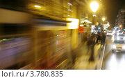 Купить «Автобус едет по ночным улицам Мадрида, таймлапс», видеоролик № 3780835, снято 19 апреля 2012 г. (c) Losevsky Pavel / Фотобанк Лори