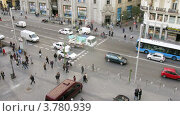 Купить «Улица Gran Via днем, Мадрид, таймлапс», видеоролик № 3780939, снято 19 апреля 2012 г. (c) Losevsky Pavel / Фотобанк Лори