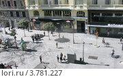 Купить «Люди на улице Монтера в Мадриде, таймлапс», видеоролик № 3781227, снято 20 апреля 2012 г. (c) Losevsky Pavel / Фотобанк Лори