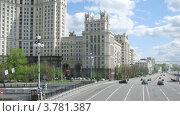 Купить «Сталинская высотка на Котельнической набережной, таймлапс», видеоролик № 3781387, снято 30 мая 2012 г. (c) Losevsky Pavel / Фотобанк Лори