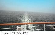 Купить «Борт корабля с пеным следом на воде позади», видеоролик № 3782127, снято 14 июля 2012 г. (c) Losevsky Pavel / Фотобанк Лори