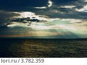 Драматическое небо над морем. Стоковое фото, фотограф Антон Жигаев / Фотобанк Лори
