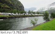 Купить «Кемпинг на берегу реки в горах», видеоролик № 3782691, снято 7 июня 2012 г. (c) Losevsky Pavel / Фотобанк Лори