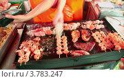 Купить «Мясо, рыба и морепродукты на гриле», видеоролик № 3783247, снято 5 мая 2012 г. (c) Losevsky Pavel / Фотобанк Лори
