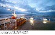 Купить «Движение по пустому кораблю к перилам, вечер», видеоролик № 3784627, снято 18 июля 2012 г. (c) Losevsky Pavel / Фотобанк Лори