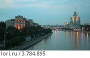 Купить «Высотное здание, расположенное на Котельнической набережной», видеоролик № 3784895, снято 16 июля 2012 г. (c) Losevsky Pavel / Фотобанк Лори