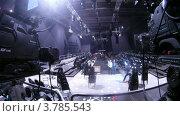 Купить «Видеооператор убирает видеокамеру после парада моделей, таймлапс», видеоролик № 3785543, снято 26 апреля 2012 г. (c) Losevsky Pavel / Фотобанк Лори