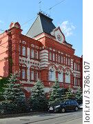 Купить «Г. Орел, здание центрального коммерческого банка», фото № 3786107, снято 5 августа 2012 г. (c) Наталья Спиридонова / Фотобанк Лори