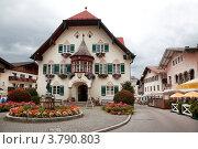 Купить «Дом в Санкт-Гильгене. Австрия», фото № 3790803, снято 16 августа 2012 г. (c) Наталья Волкова / Фотобанк Лори
