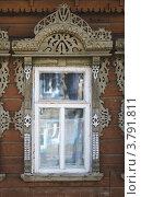 Купить «Юрьев-Польский. Окно с резным деревянным наличником», фото № 3791811, снято 19 августа 2012 г. (c) Павел Широков / Фотобанк Лори