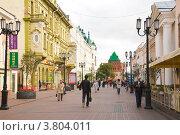 Купить «Нижний Новгород. Улица Большая Покровская», фото № 3804011, снято 31 августа 2012 г. (c) Елена Ковалева / Фотобанк Лори