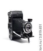 Старый фотоаппарат на белом фоне (2012 год). Редакционное фото, фотограф Борис Двойников / Фотобанк Лори