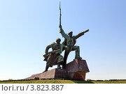 Купить «Памятник матросу и солдату на мысе Хрустальный в Севастополе», эксклюзивное фото № 3823887, снято 30 апреля 2012 г. (c) Rekacy / Фотобанк Лори