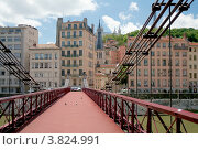 Купить «Пешеходный мост Святого Винсента (1832), река Сона, Лион, Франция», фото № 3824991, снято 11 июля 2012 г. (c) Виктория Фрадкина / Фотобанк Лори