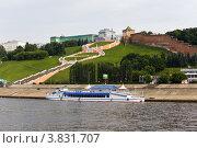 Купить «Вид на Нижний Новгород и Чкаловскую лестницу  с Волги», фото № 3831707, снято 12 июня 2012 г. (c) Igor Lijashkov / Фотобанк Лори