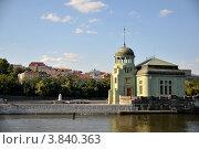 Остров посреди Влтавы (Прага) (2012 год). Стоковое фото, фотограф Елена Конькова / Фотобанк Лори