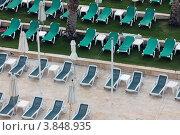 Шезлонги на пляже. Стоковое фото, фотограф Felix Bensman / Фотобанк Лори