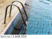 Лестница в бассейн. Стоковое фото, фотограф Felix Bensman / Фотобанк Лори