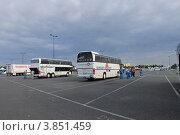 Парижский диснейленд, парковка (2012 год). Редакционное фото, фотограф Чихний Анастасия / Фотобанк Лори