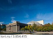 Купить «Новосибирск. Новосибирский государственный академический театр оперы и балета (НГАТОиБ)», фото № 3854415, снято 11 сентября 2012 г. (c) Matwey / Фотобанк Лори