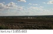 Купить «Сельский пейзаж ранней осенью», видеоролик № 3855603, снято 25 апреля 2012 г. (c) Елена Блохина / Фотобанк Лори
