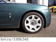 Купить «Автомобиль Rolls-Royce. Фрагмент», эксклюзивное фото № 3856543, снято 17 сентября 2012 г. (c) Яна Королёва / Фотобанк Лори