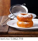 Купить «Пончики на темном фоне», фото № 3862719, снято 10 августа 2012 г. (c) Лисовская Наталья / Фотобанк Лори