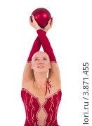 Купить «Гимнастка в красном с мячом в руках», фото № 3871455, снято 12 сентября 2012 г. (c) Tatjana Romanova / Фотобанк Лори