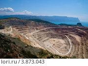 Карьер по добыче полезных ископаемых. Стоковое фото, фотограф Вероника Денега / Фотобанк Лори