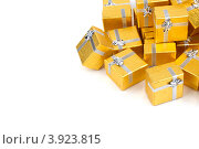 Купить «Золотые коробки с серебряной ленточкой на праздник в подарок», фото № 3923815, снято 18 августа 2012 г. (c) Tatjana Romanova / Фотобанк Лори